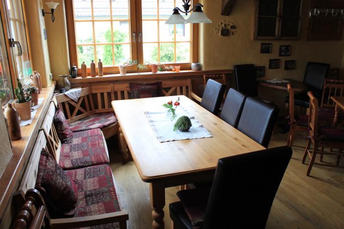 Zur Miete: Das Schlachthaus in der Dorfmitte von Schmißberg